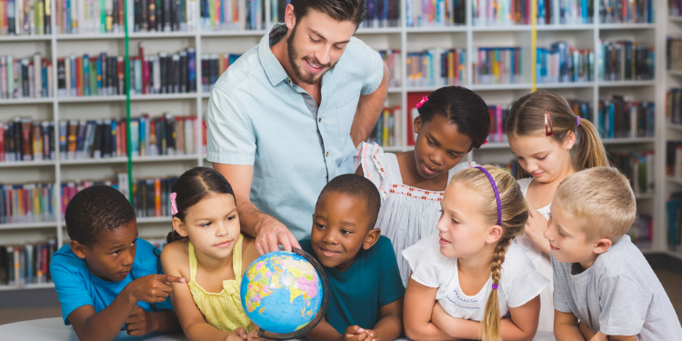 Showing English Abroad In International Schools